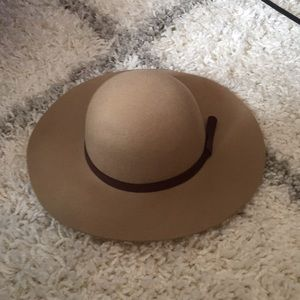 New Floppy Hat Tan 100%wool